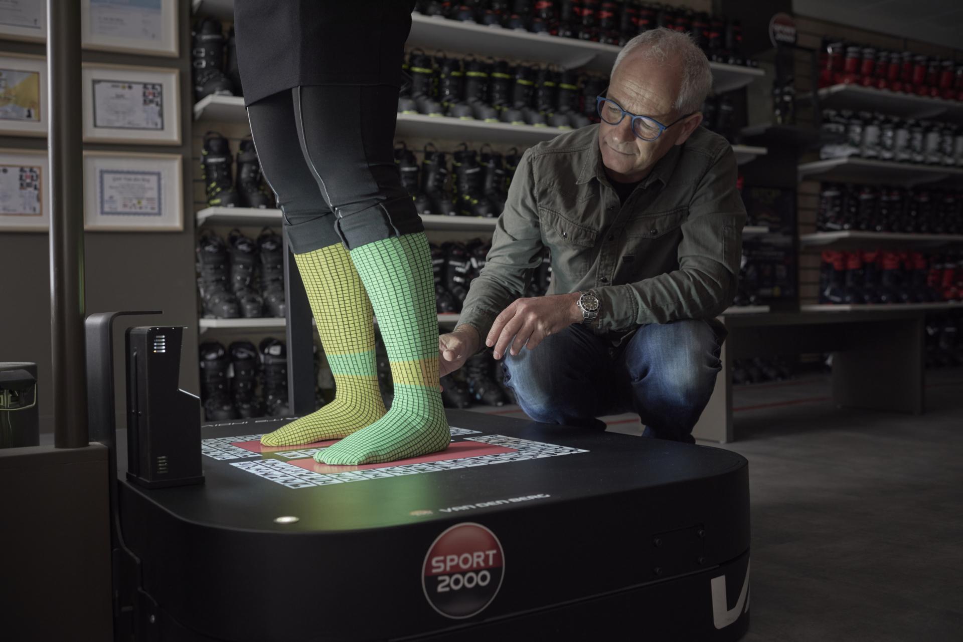 Skischoenen voor moeilijke voeten aanmeten
